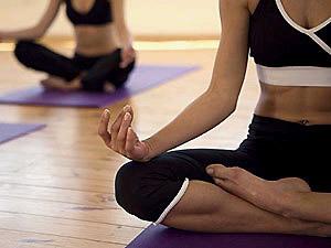 Хатха-йога в Кременчуге. Показания и противопоказания к занятиям йогой